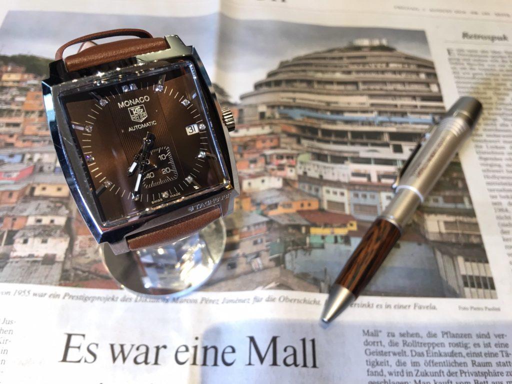 huge selection of 95055 6fa5e 魅力的なTAG HEUER モナコ | KARITOKEマガジン|ブランド腕時計 ...