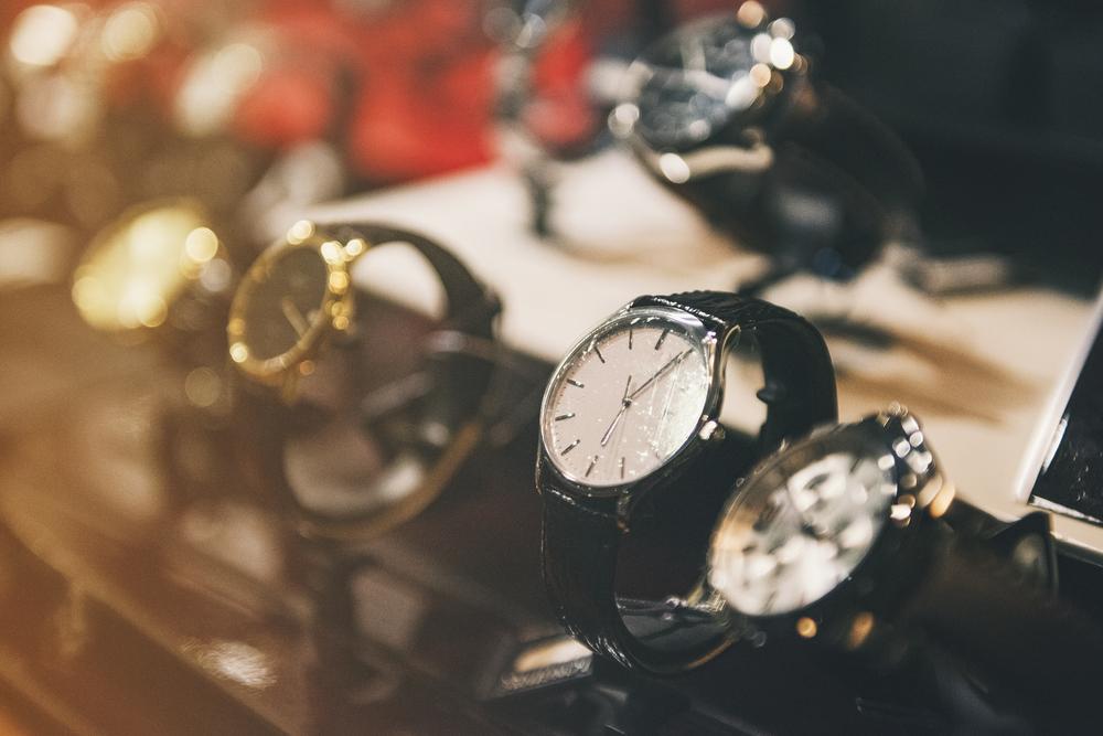 並んだ腕時計