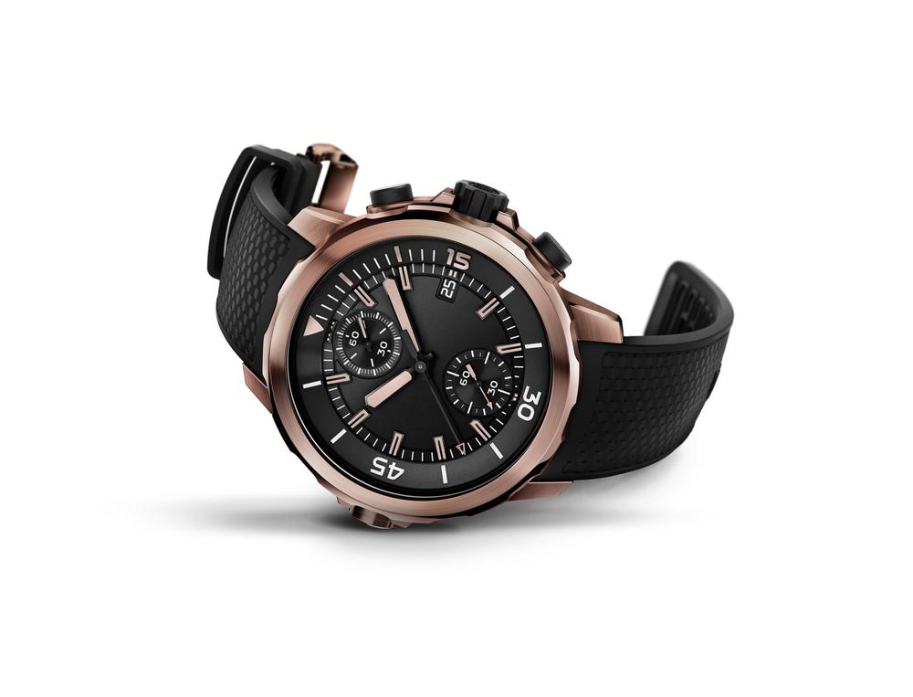 黒いベルトの腕時計