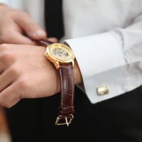 腕時計の正しい付け方とは